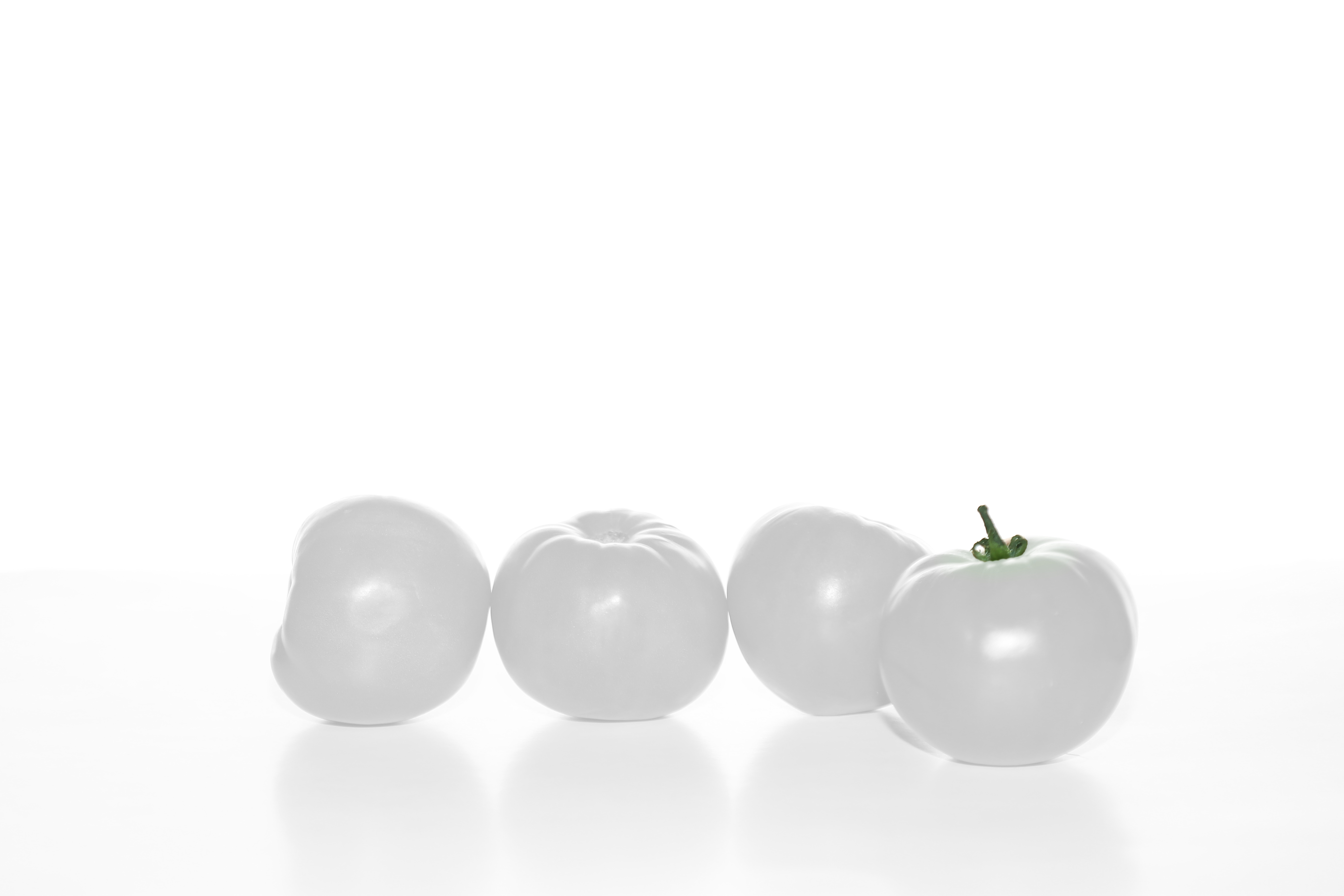 Group-of-White-Tomatoes-